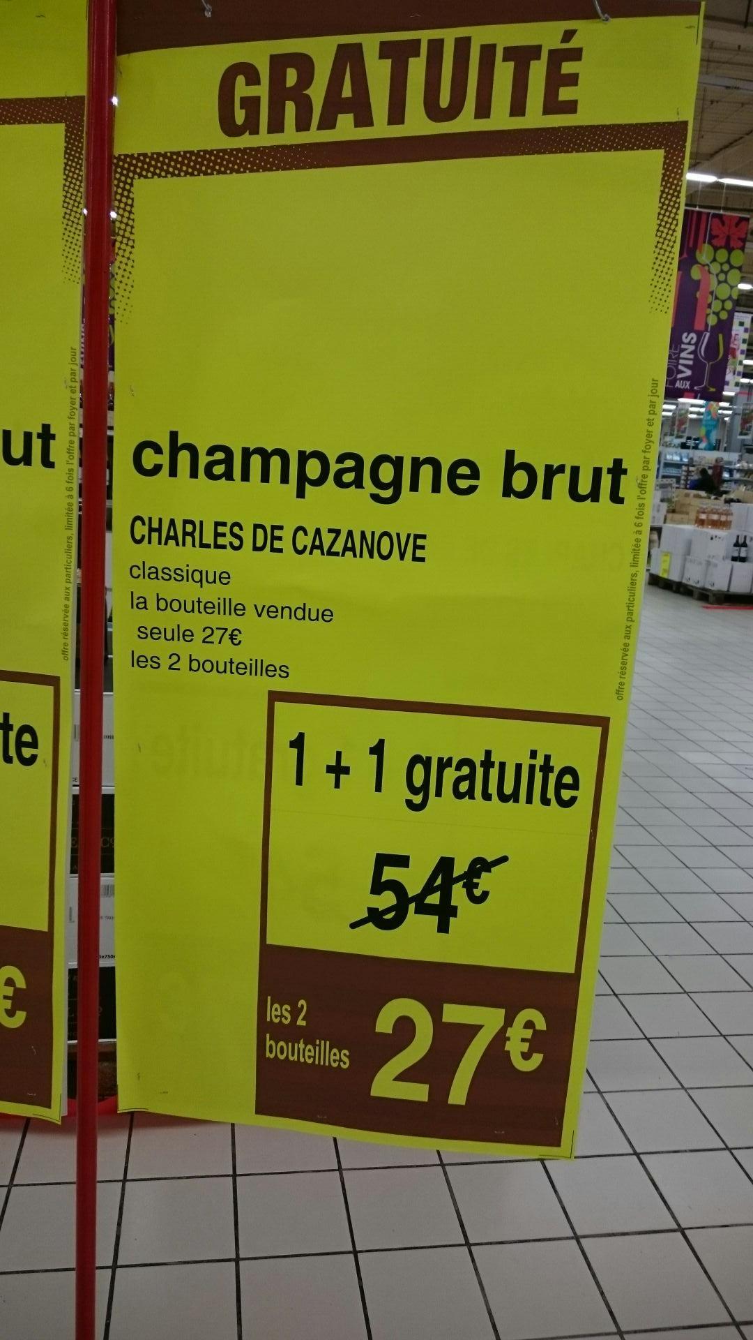 2 bouteilles de Champagne brut Charles de Cazanove