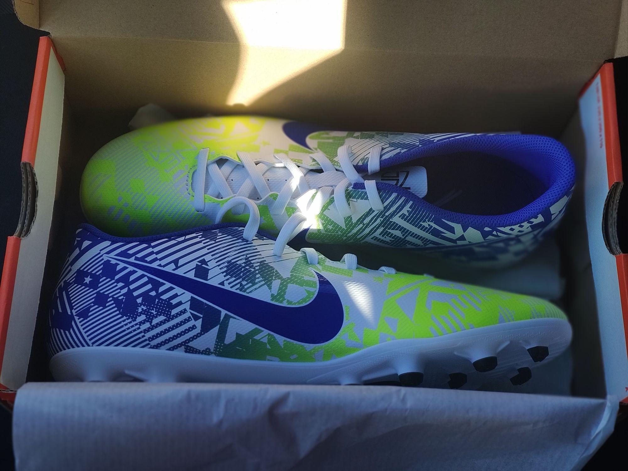 Chaussures de football Nike Mercurial Vapor 13 Club NJR FG/MG - Nike Factory Store Rennes/Saint-Gregoire (35)