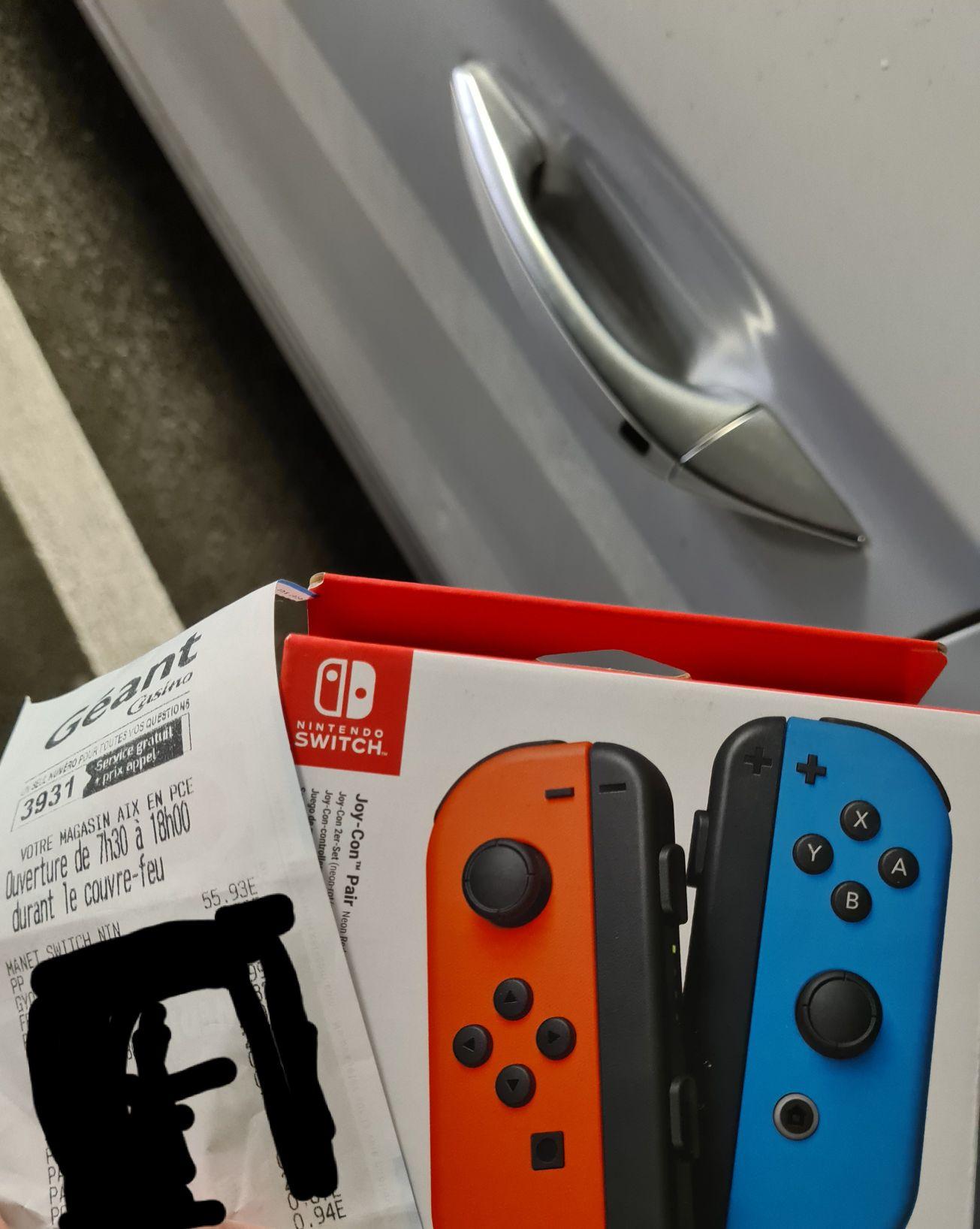 Paire de manettes sans-fil Nintendo Joy-con Switch (Aix Ouest 13)