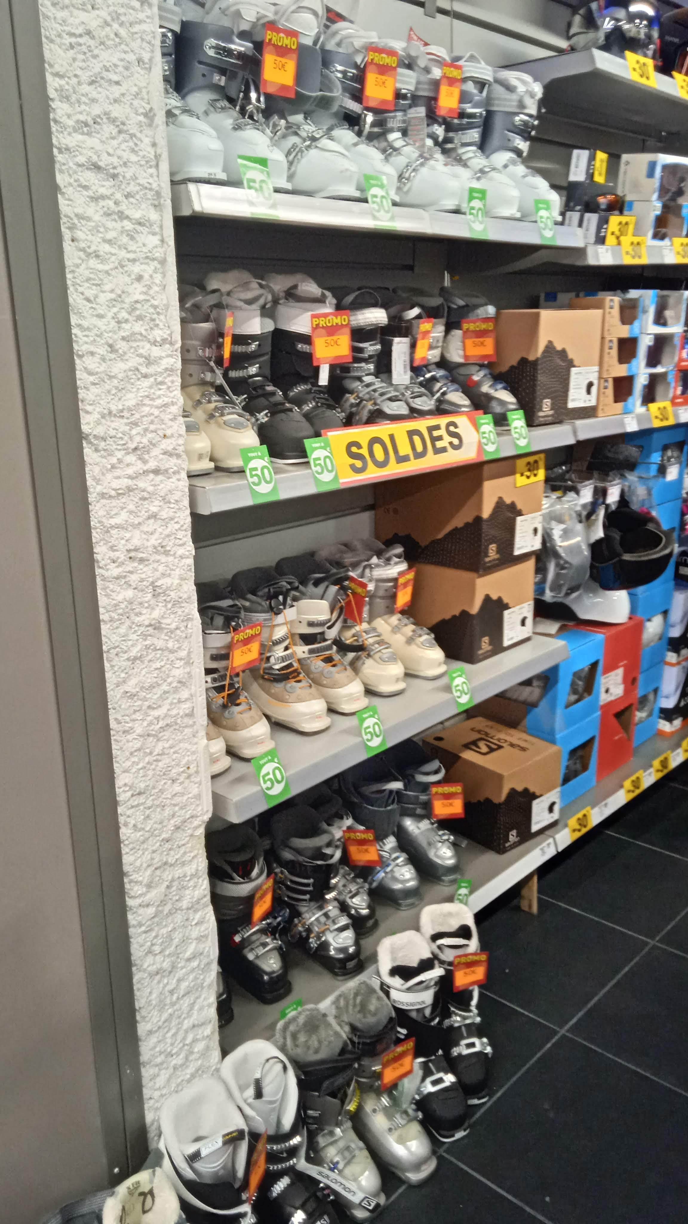 Déstockage de chaussures de ski - Intersport St-Jean-D'angély (17)