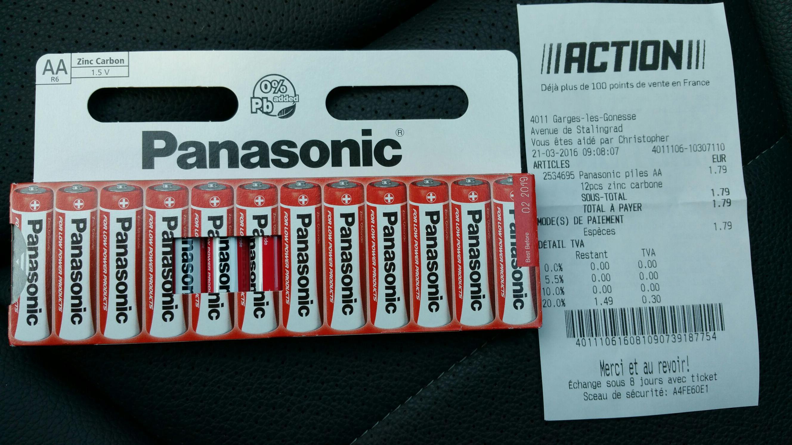 12 piles SALINES Panasonic AA ou AAA 1.5 V