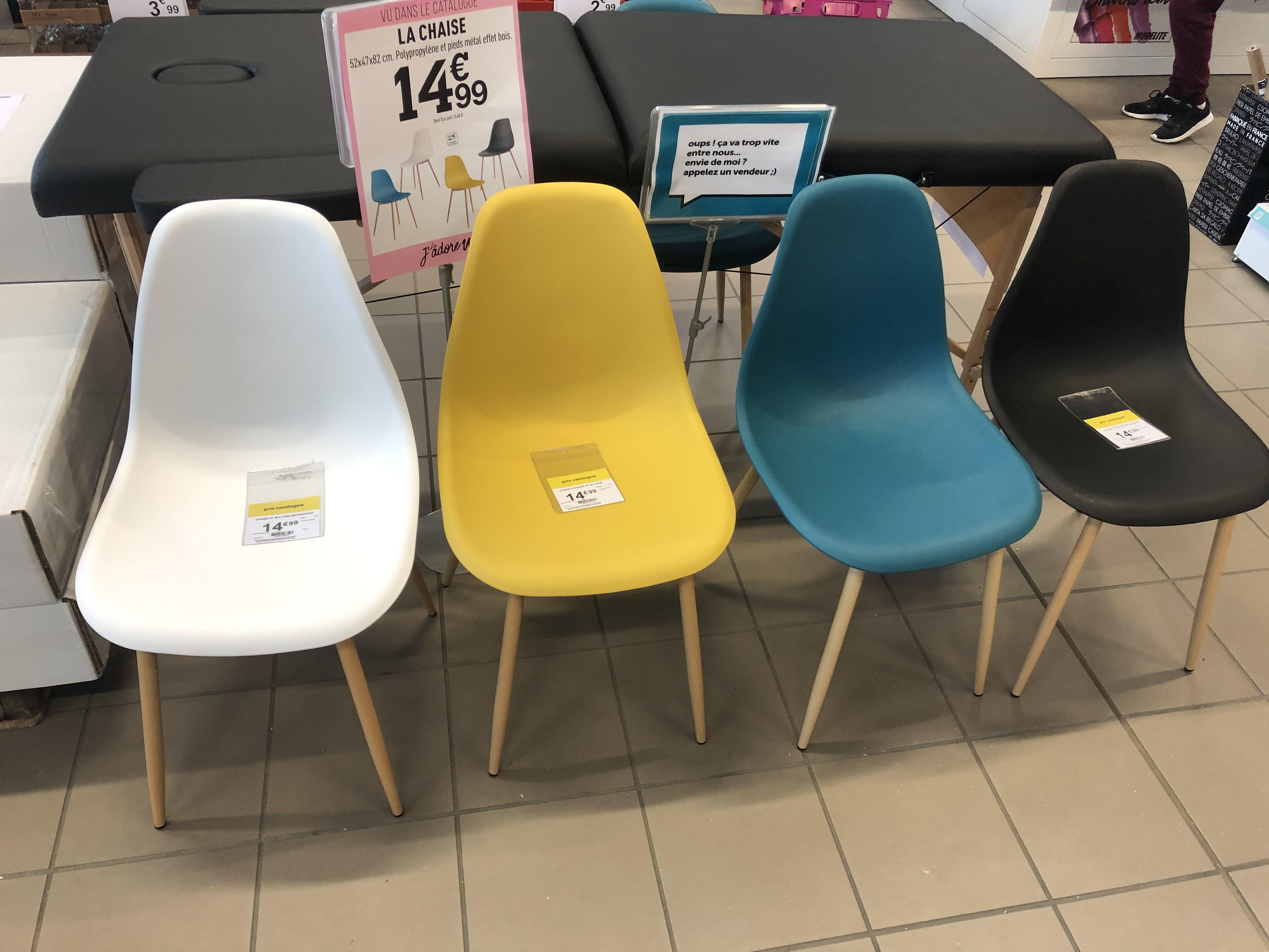 Chaise polypropylène - plusieurs coloris - Style scandinave, pieds métal décor bois