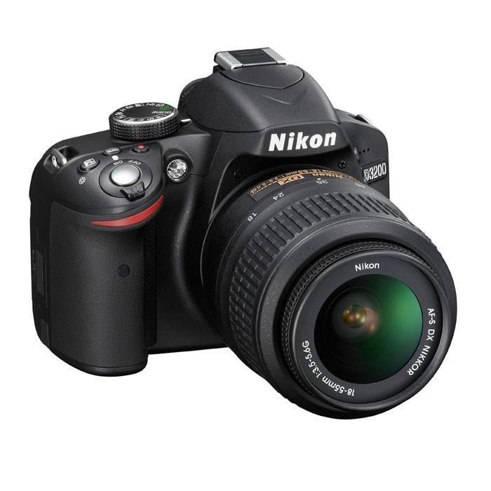 Appareil photo Reflex Nikon D3200 Noir + objectif AF-S DX 18-55 II
