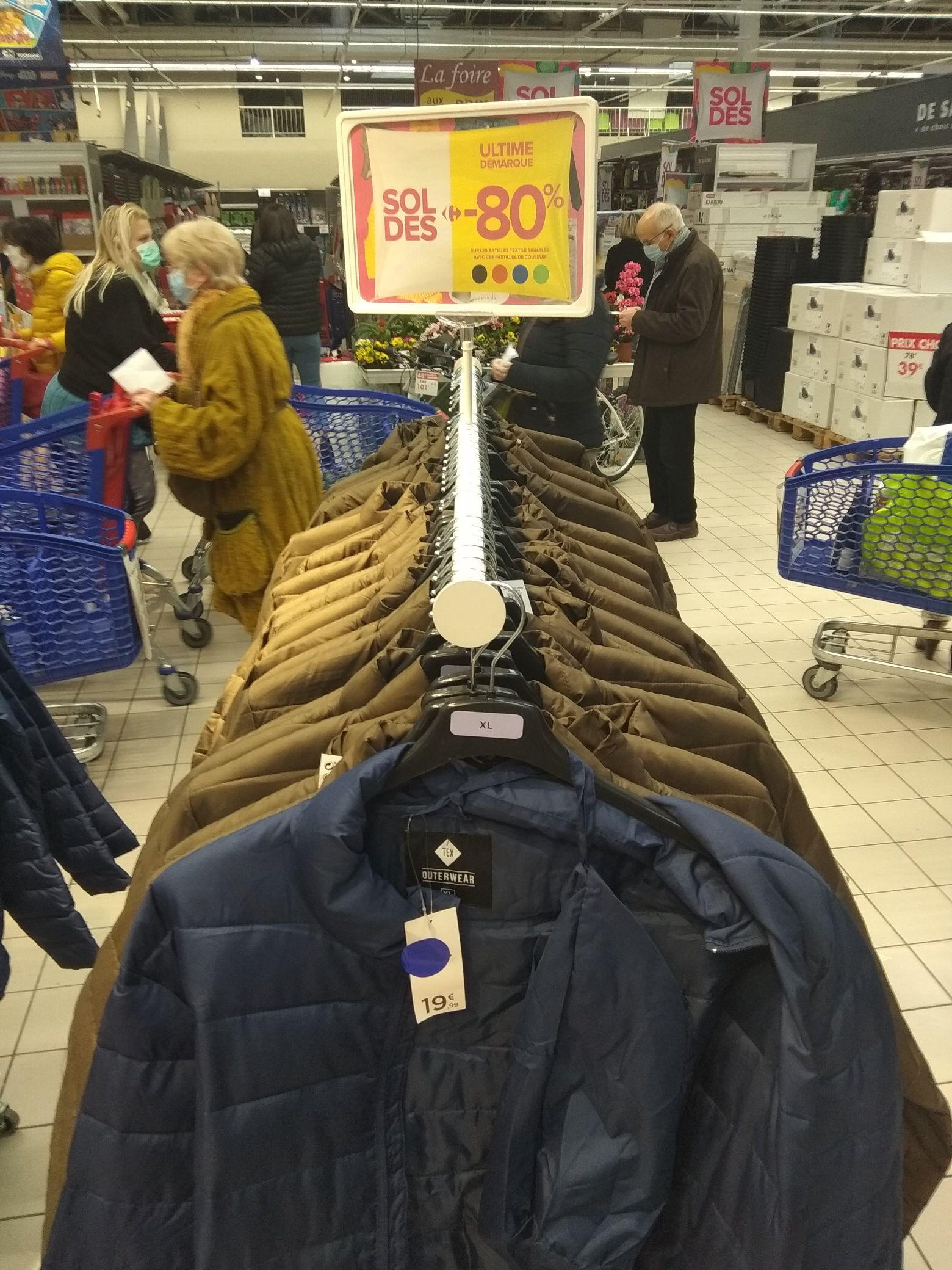 Sélection de produits en promotion - Ex: Blouson Outerwear - Meylan (38)