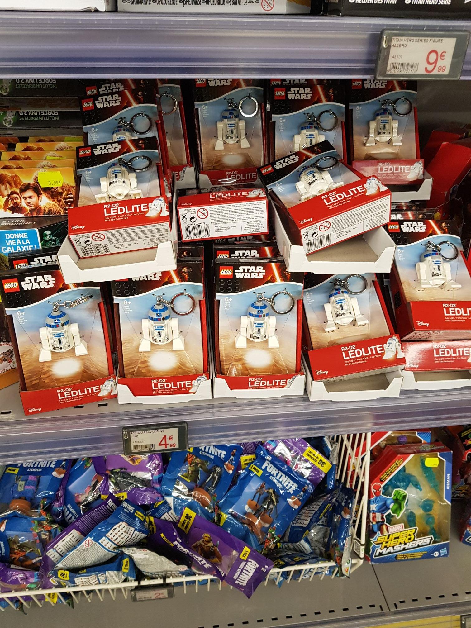 Sélection de porte-clés Lego en promotion - Ex: Porte-clé Lego Star Wars led R2-D2 - Toulouse Rte d'Espagne (31) / Gennevillers (92)