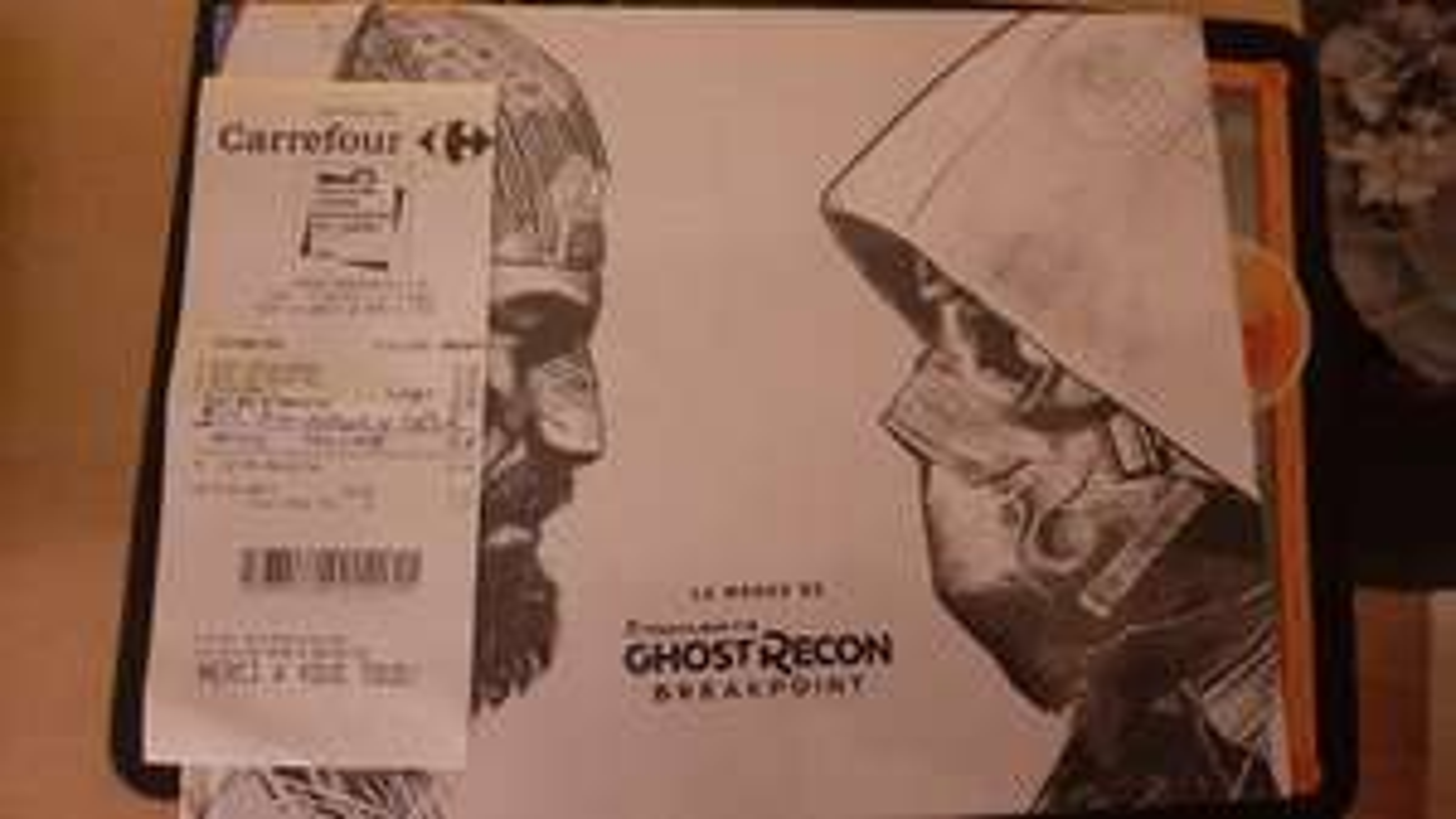 Artbook Le Monde de Tom Clancy's Ghost Recon Breakpoint - Carrefour Sartrouville (78)