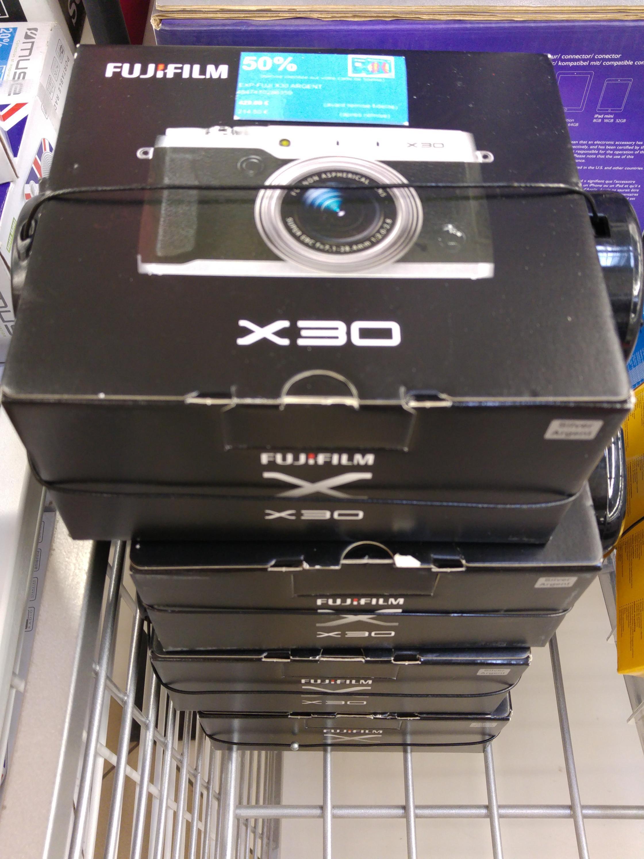 Compact Fujifilm X30 (avec 50% sur la carte)