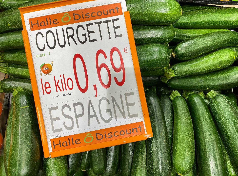 Courgette d'Espagne Catégorie 1 (Le Kg) - Halle O Discount Lognes (77) / Noiseau (94)