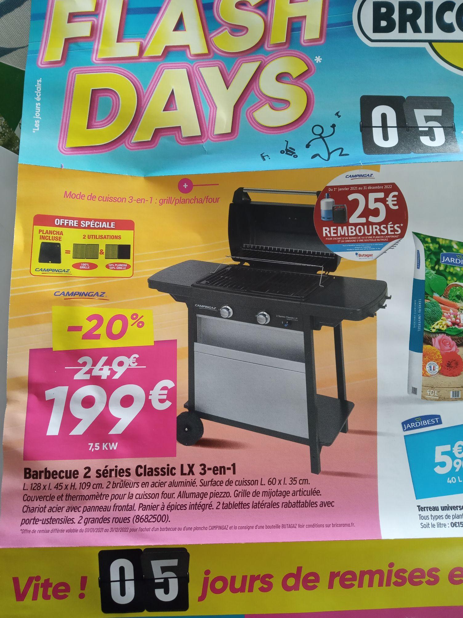 Barbecue à gaz Campingaz Series Classic LX 3-en-1 - 2 brûleurs, 60x35 cm, avec plaque plancha (+ ODR 25€ si achat consigne bouteille de gaz)