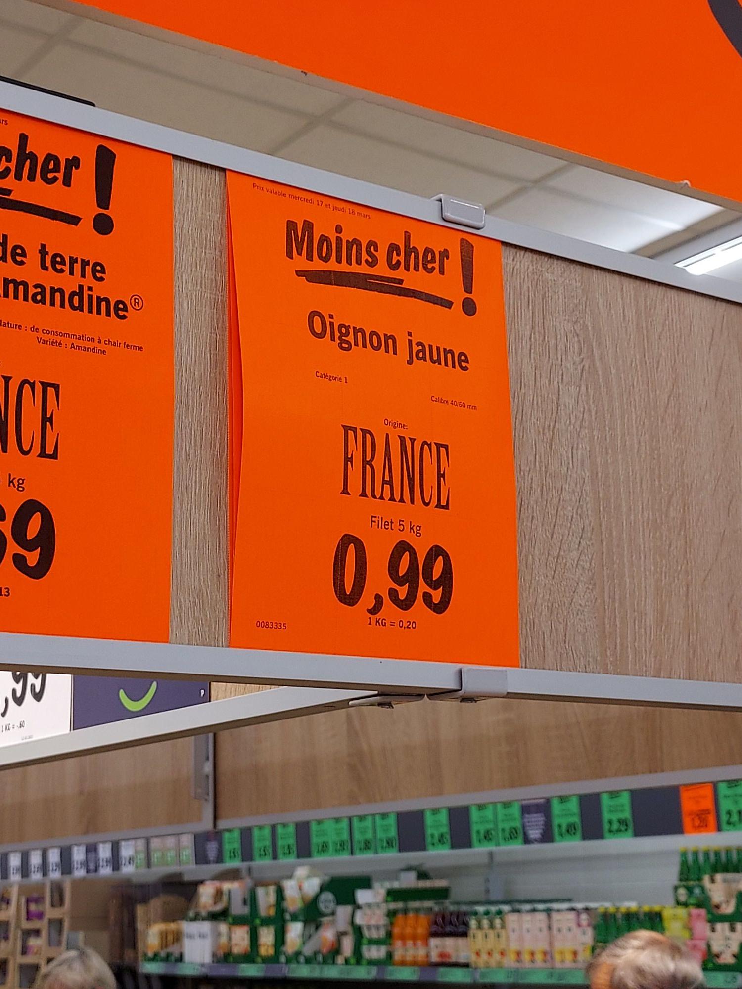 Filet d'oignons jaunes (cat. 1, origine France, 5 kg) ou bananes (le kg) à 0.99€