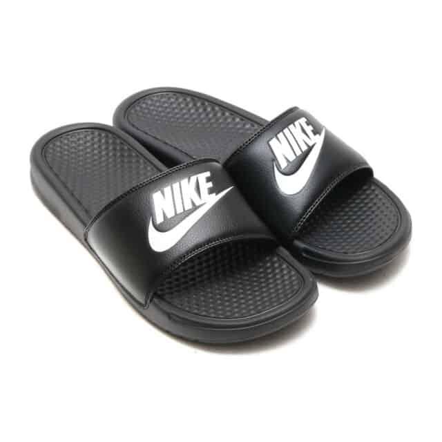 Claquettes Nike Benassi - Noir/Blanc - Mixte - Plusieurs tailles du 36 au 46