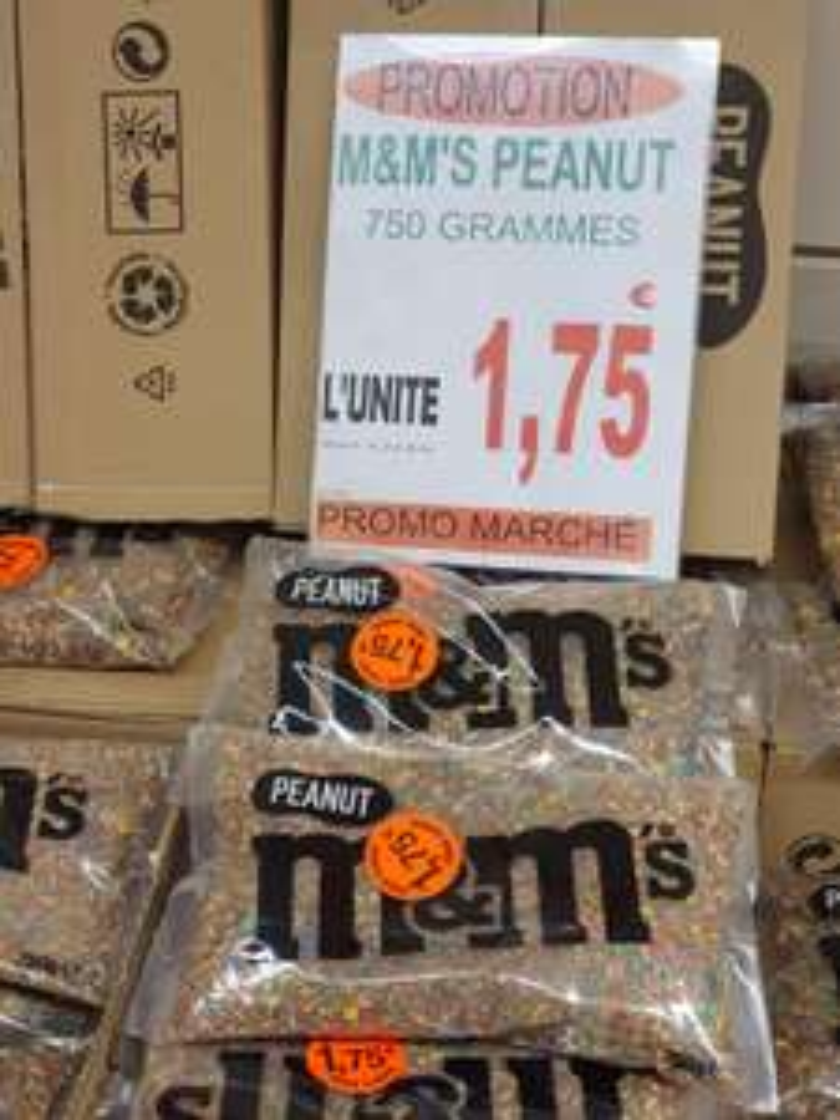 Sachet de M&M's Peanut brisés (750 g) - Promo Marché Bétheny (51)
