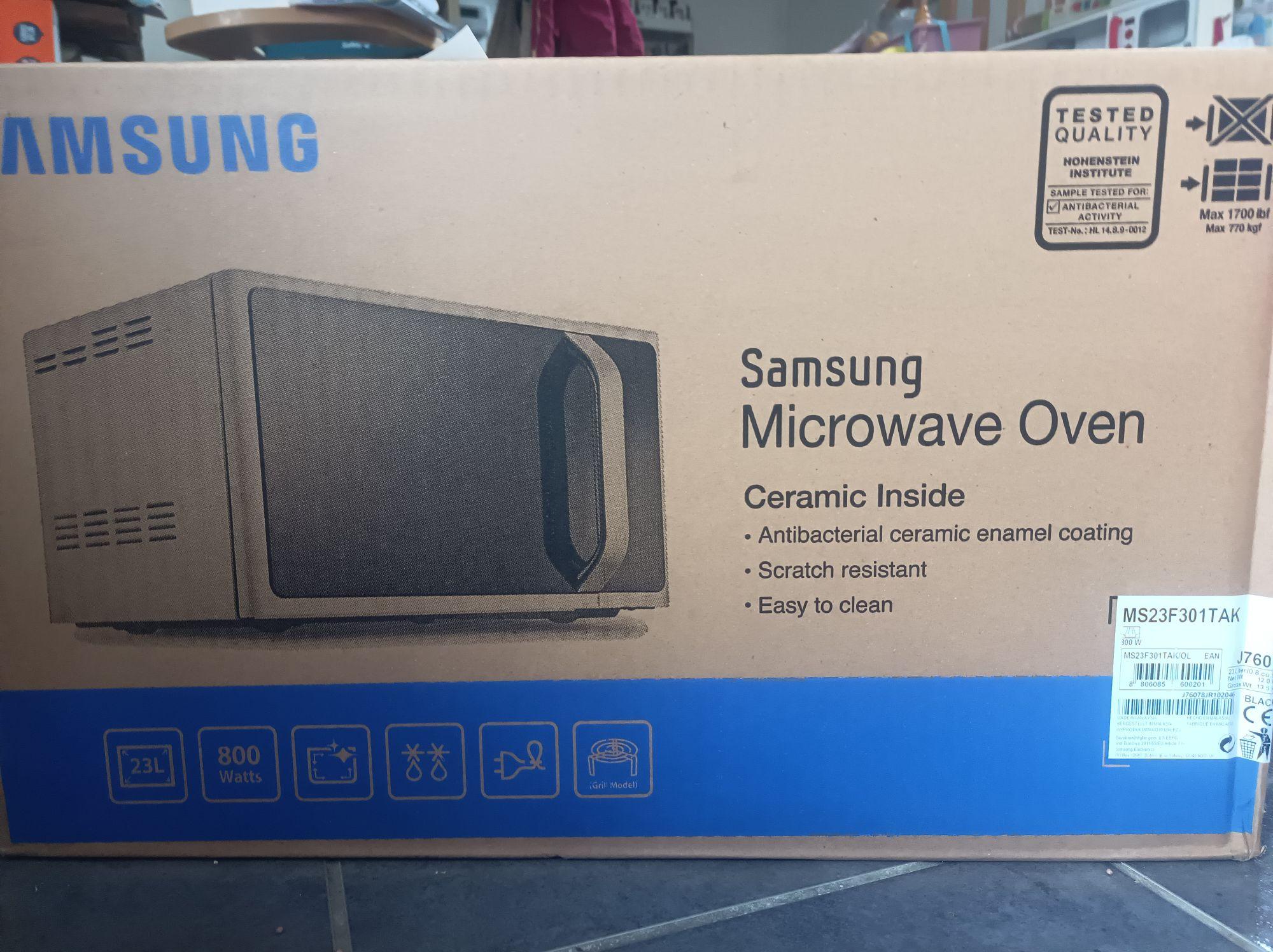 Micro-ondes Samsung MS23F301TAK - 23L, 800W - Entrepote Saint-Ouen-l'Aumône (95)