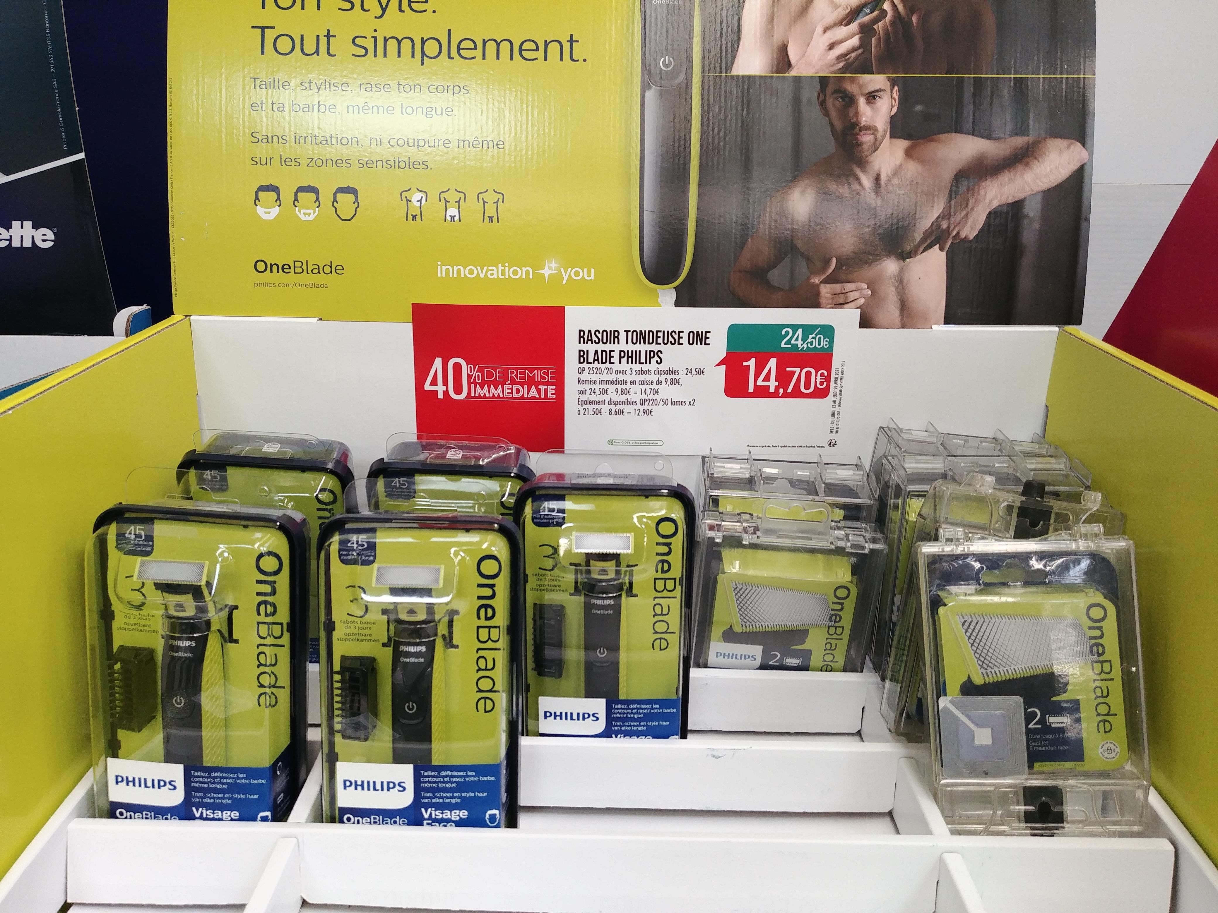 Tondeuse visage Philips Oneblade QP2520/20 (avec 1 lame + 3 sabots) Également disponibles QP220/50 lames x2 à 12.90€