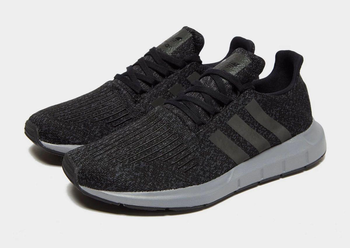 Baskets adidas Originals Swift Run - noir (du 39 1/3 au 47 1/3) (Différents coloris)