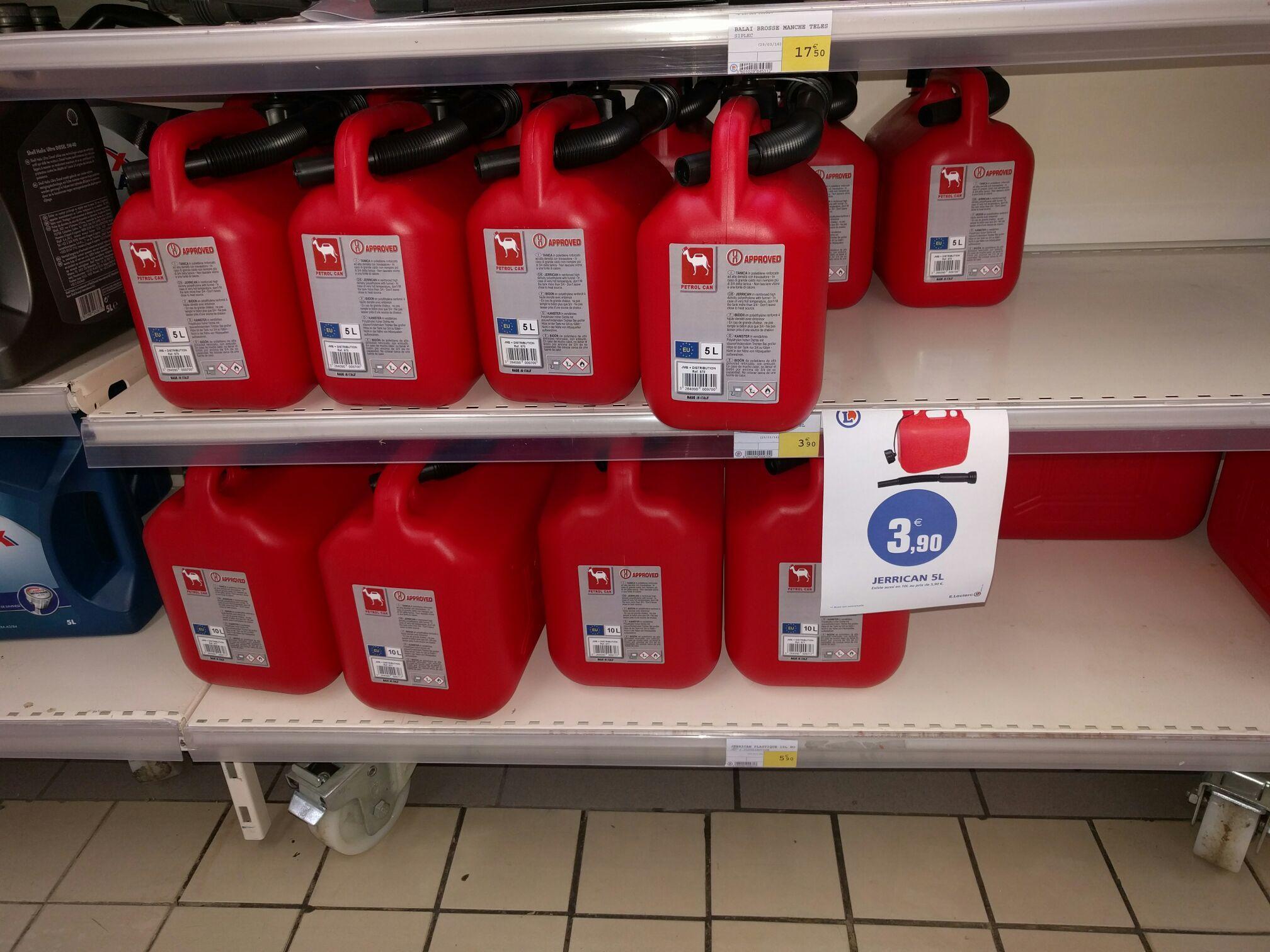 Jerrican en plastique, rouge - 10 L à 5.9€ et 5L