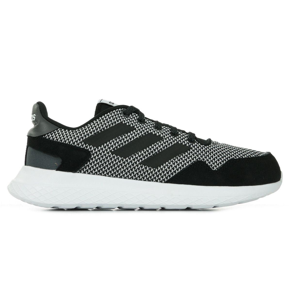 Sélection de chaussures Adidas et Reebok en promotion. Ex: Chaussures Adidas Archivo
