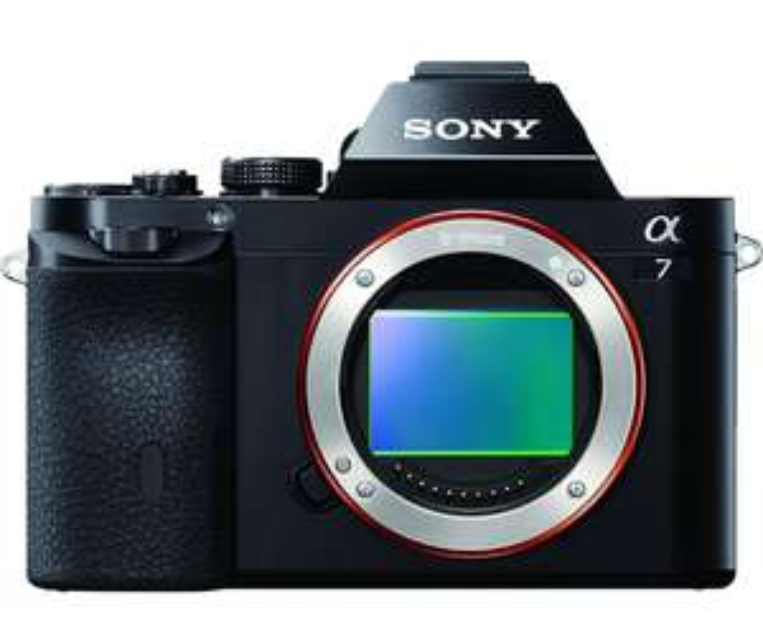 Appareil photo Hybride Sony Alpha 7 - Boitier nu, Capteur plein format 24.3 MP (Noi stabilisé)