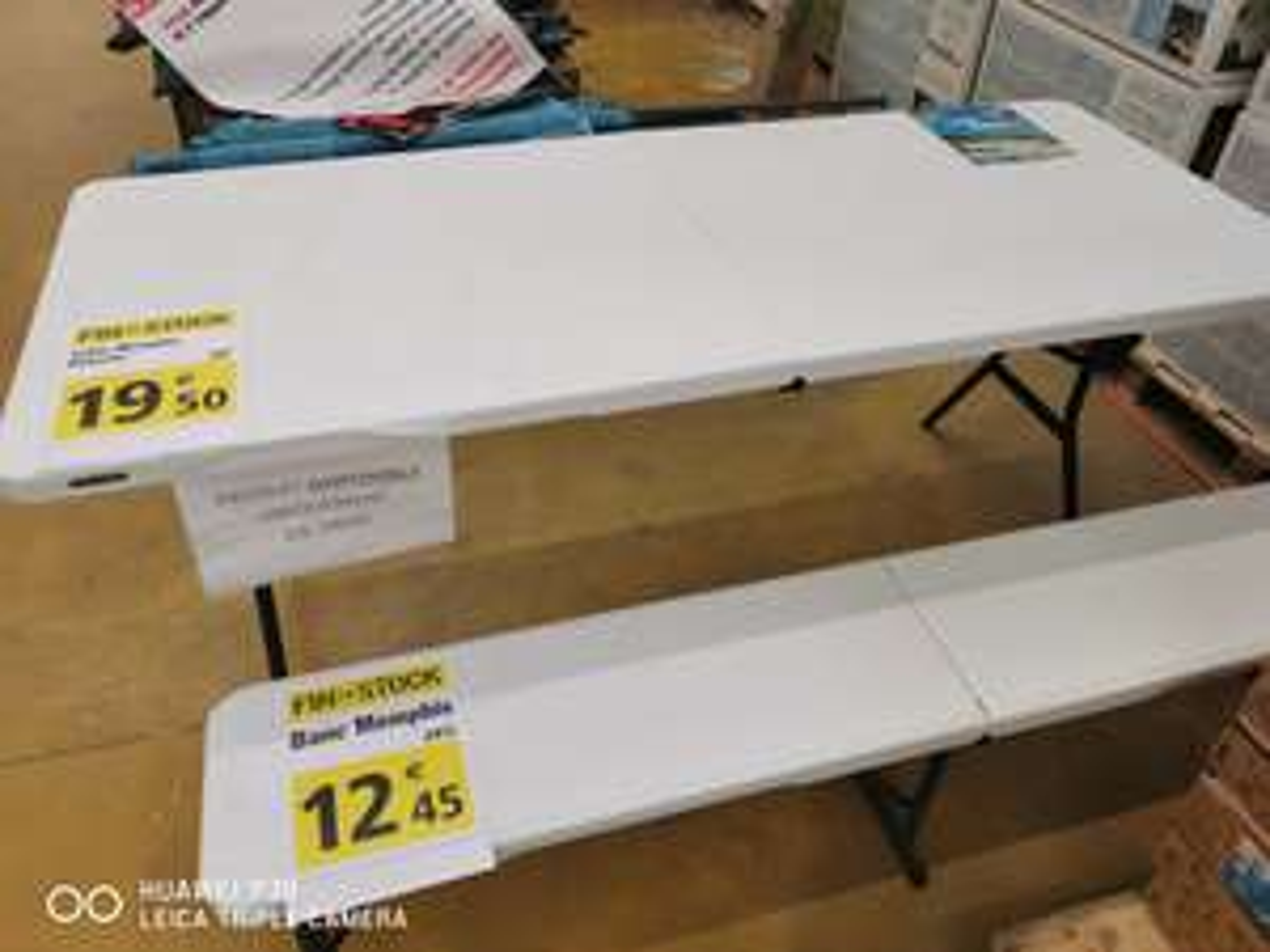 Table 8 personnes Memphis - 180 x 74 x 74 cm - Bethune (62)