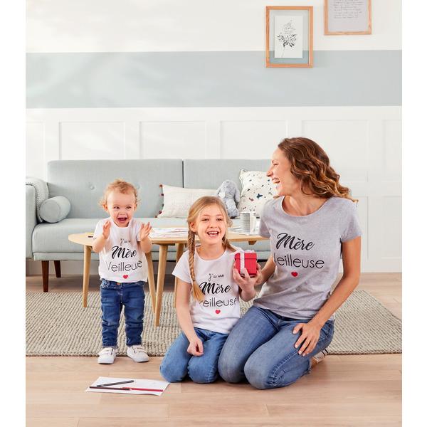 T-shirt Femme/Enfant Fête des Mères (Via 3€ sur la carte - Dans une sélection de magasins)