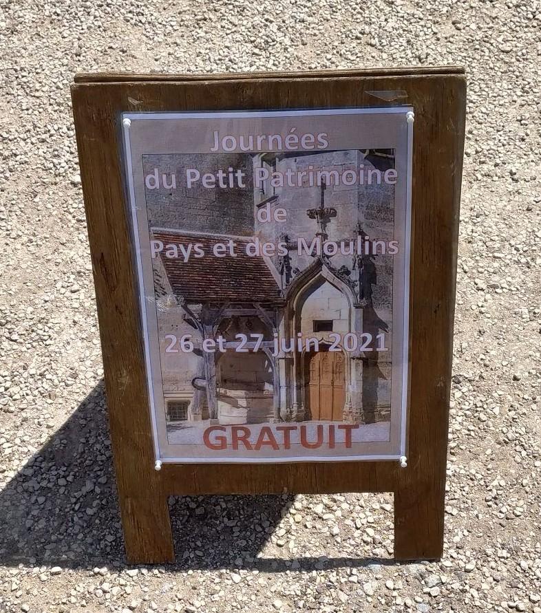 Visite gratuite du château du village Châteauneuf (21)