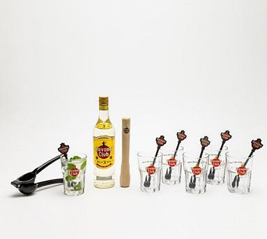 Kit Mojito Havana Club : 1 bouteille 70 cl + 6 verres + 1 pilon + 1 presse citron + 6 batteurs