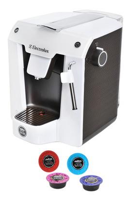 Machine a café gratuite Electrolux ELM5100 Favola 15 Bars Blanc et Chocolat avec ODR (50€)