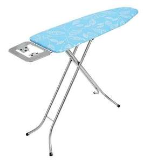 Table à repasser avec repose-fer