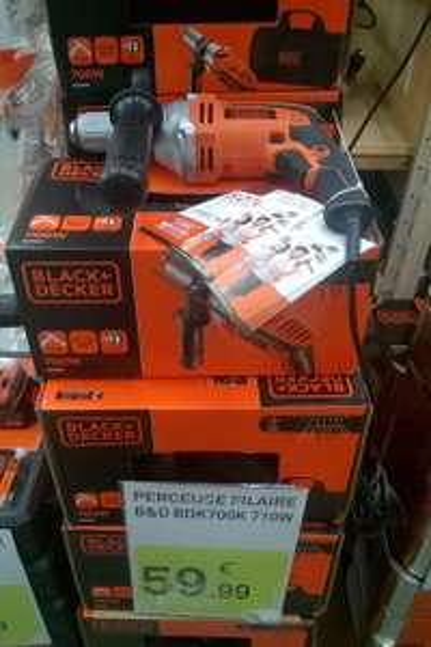 Perceuse filaire à percussion Black&Decker BDK700K - 700W (Via ODR 50%)