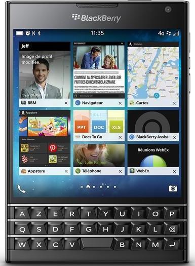"""Smartphone 4.5"""" BlackBerry Passport"""