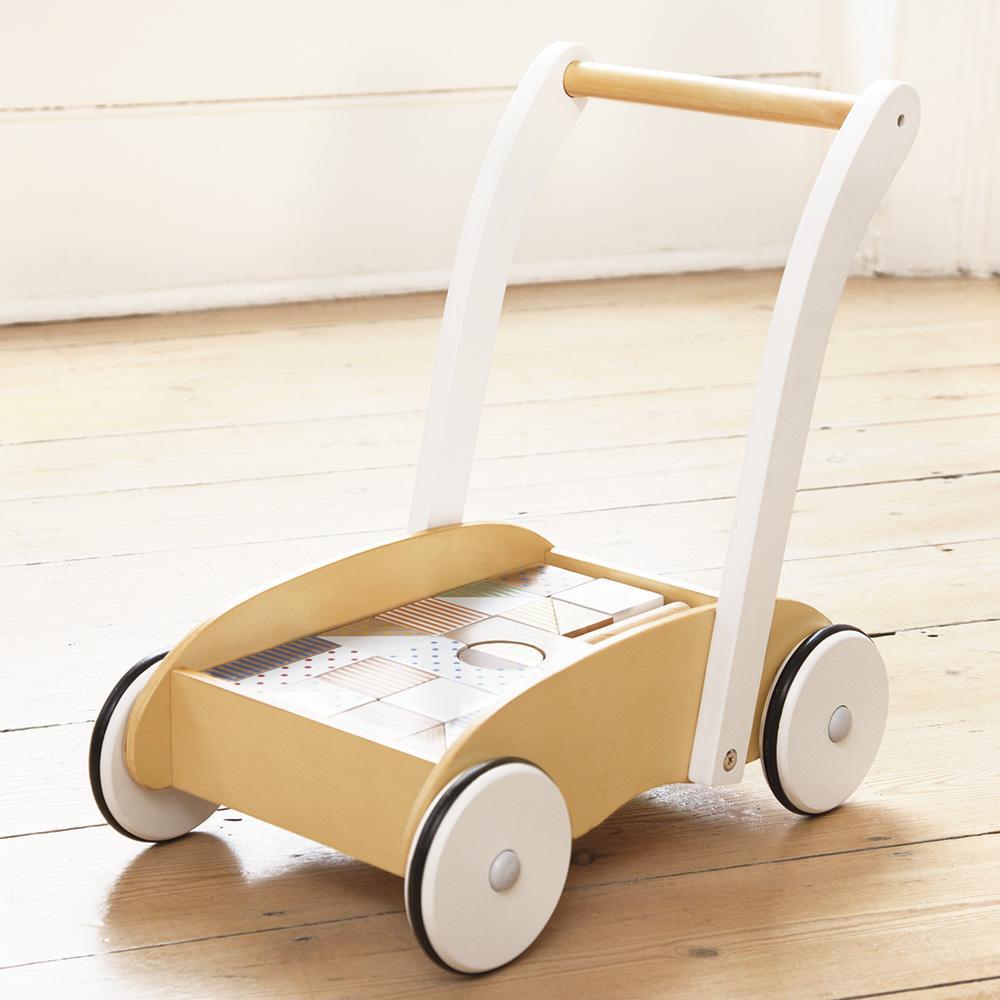 Chariot de marche avec blocs en bois JoJo Maman Bébé