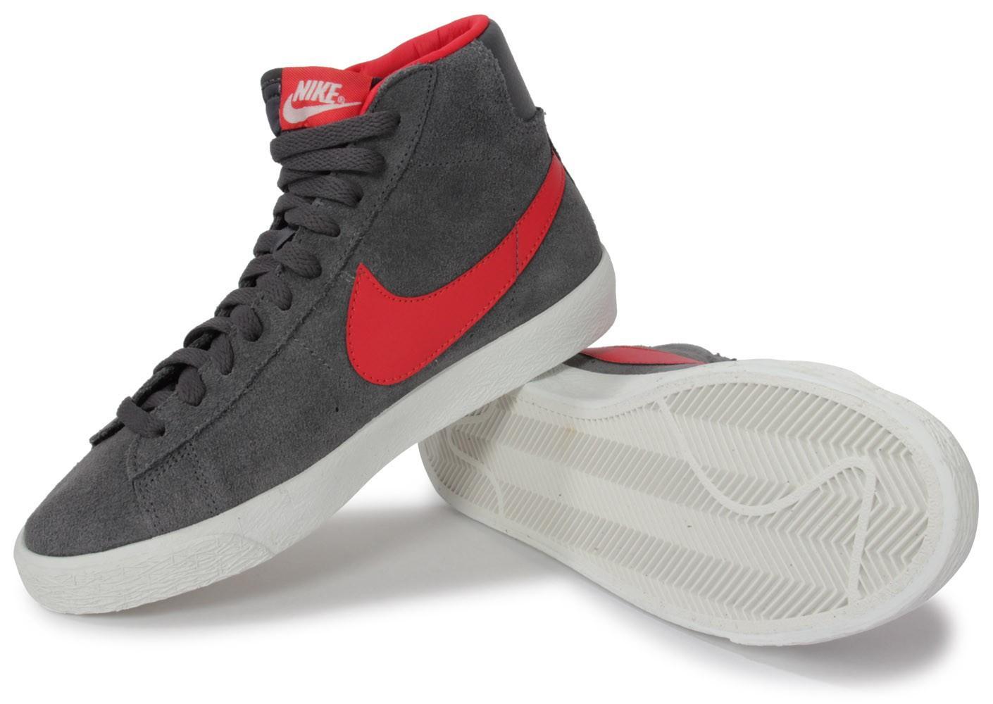 Baskets Nike Blazer junior (Taille 38,5)