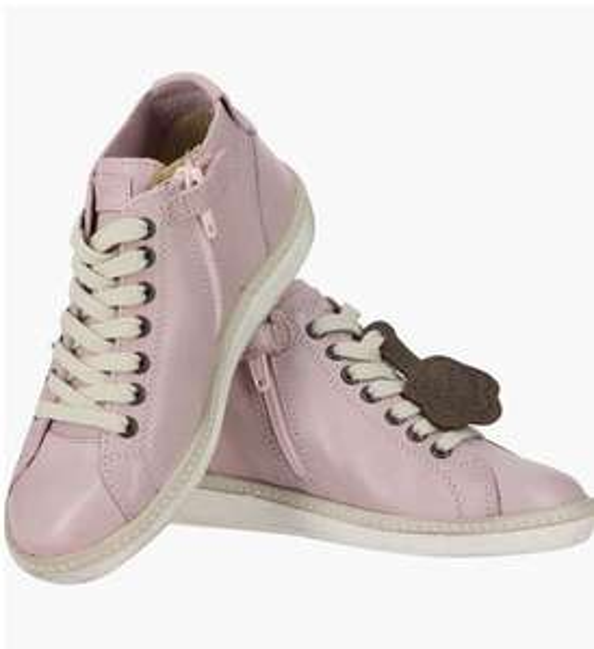 Jusqu'à 70% de réduction sur une sélection de chaussures Kickers - Ex : Baskets Harpista (taille 30)