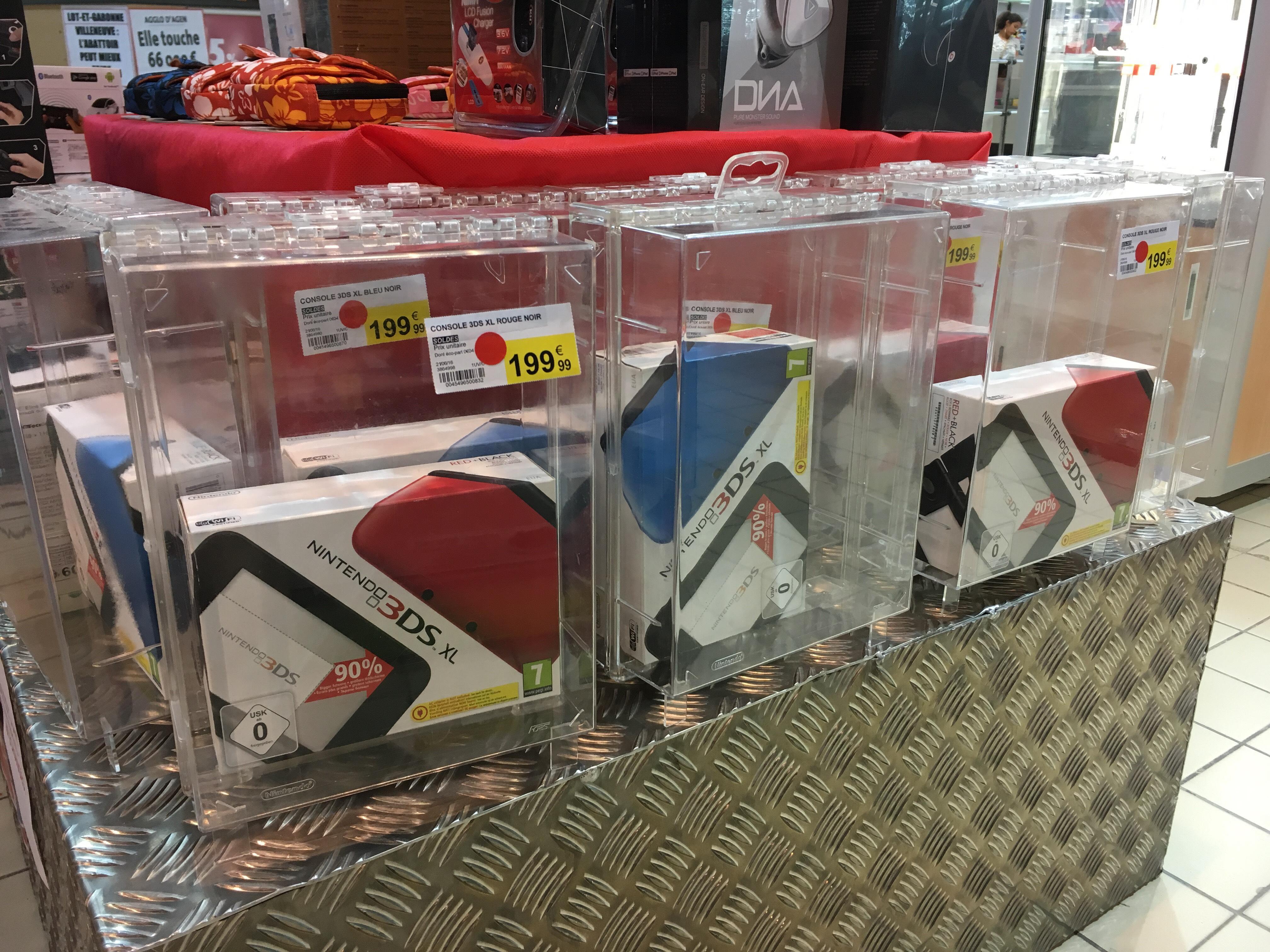 Console Nintendo 3DS XL - Rouge ou Bleu