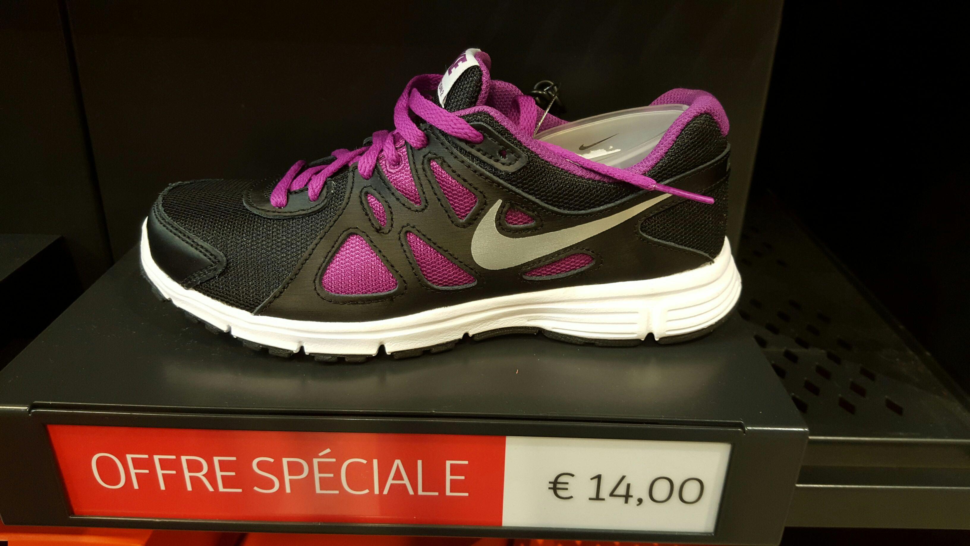 Baskets Nike pour Femme - Noir/Violet (Tailles 35.5, 36 et 37)