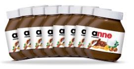 1 pot de Nutella acheté (porteur de l'offre), 8 étiquettes personnalisées offertes