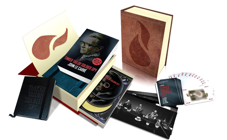 Coffret La Taupe (Tinker, Tailor, Soldier, Spy) Deluxe Edition : Blu-Ray, DVD, BO, Roman, Carnet, Jeu de cartes (VO)