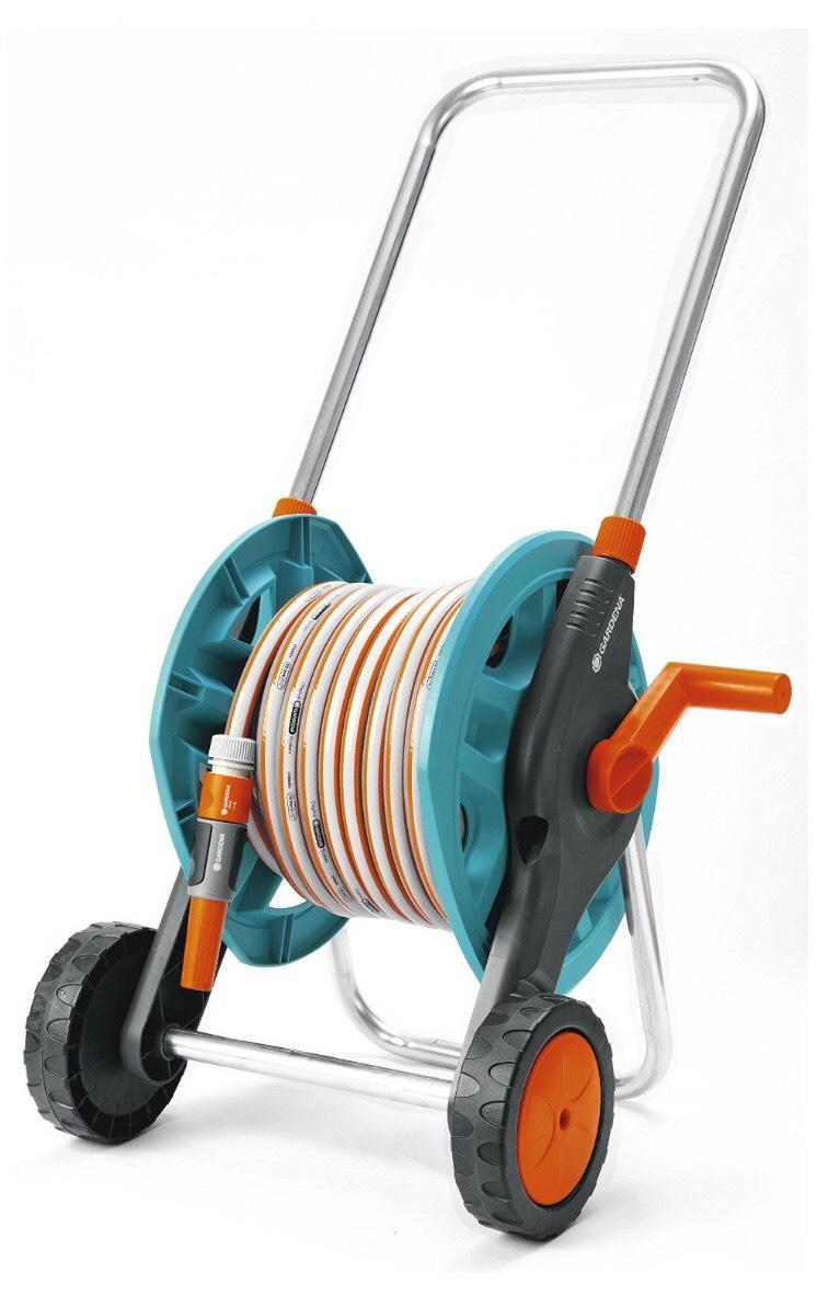 Enrouleur de tuyau sur roues Gardena + tuyau 20m