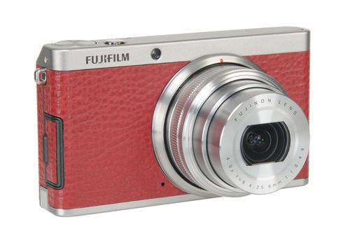 Appareil photo compact Fujifilm XF-1 zoom manuel 25-100mm f1.8-4.9