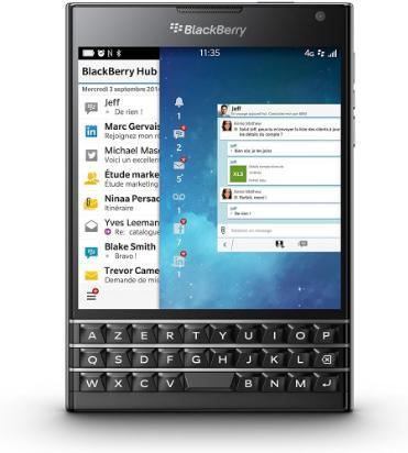 "Smartphone 4.5"" BlackBerry Passport - Noir ou blanc (Clavier Azerty)"