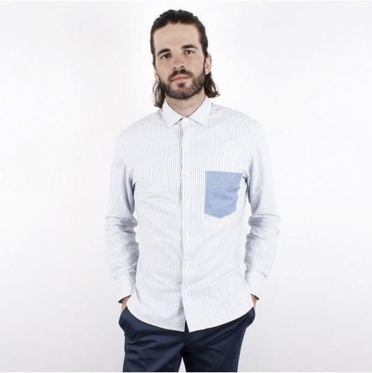 Jusqu'à -70% de réduction sur une sélection d'article - Ex: Chemise Blanche à rayure