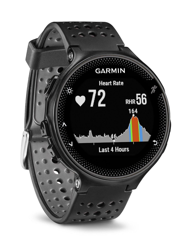 Montre connectée GPS Garmin Forerunner 235 noire
