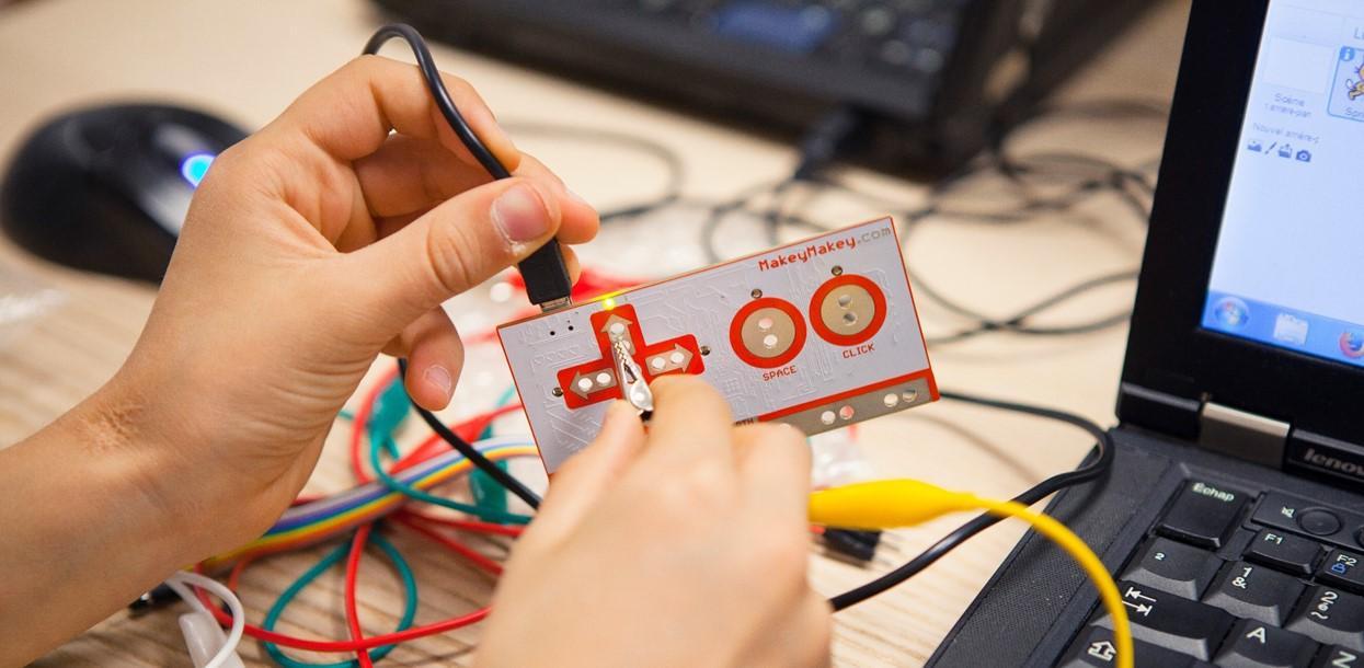 Initiation à la programmation pour 8-12 ans gratuit à l'Atelier Renault avec Magic Makers