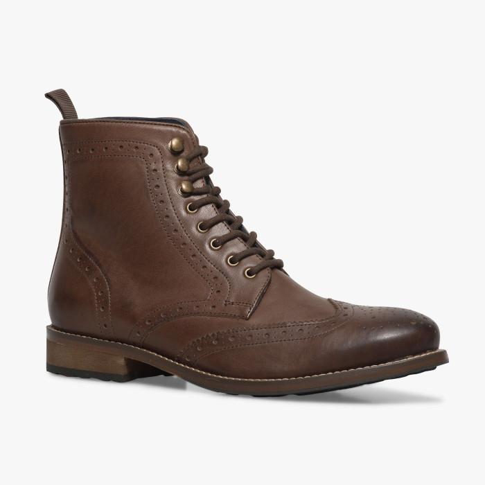 Jusqu'à -50% sur une sélection de chaussures - Ex : Boots Jimmy Marron