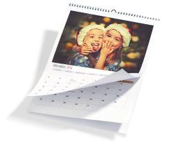 Jusqu'à 60% de réduction sur une sélection de calendriers et livres personnalisables - Ex : Calendrier Mural A4 - 21.4x30.2cm