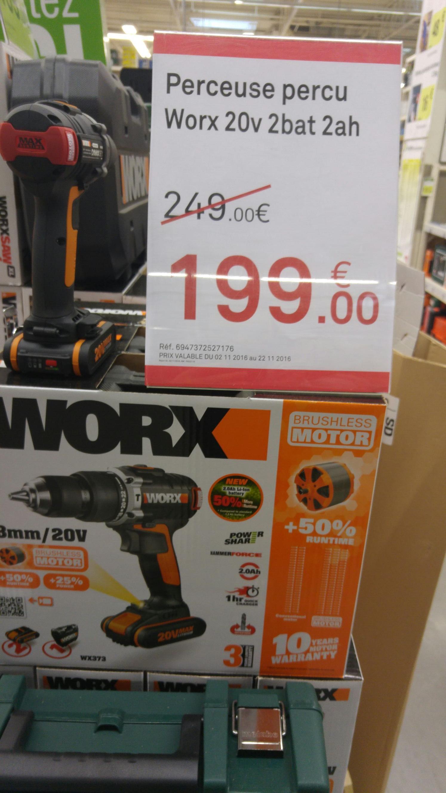 Perceuse visseuse avec percussion WORX Wx373 20V + 2 accus 2 Ah à 199€