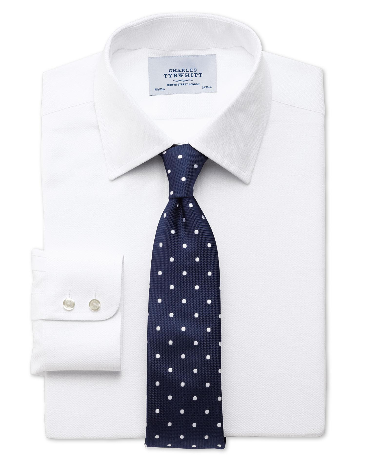 Chemise Charles Tyrwhitt + une cravate en soie