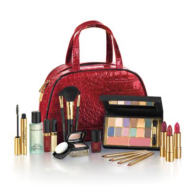 Sac avec de nombreux produits de beauté Elizabeth Arden + 3 échantillons gratuits au choix