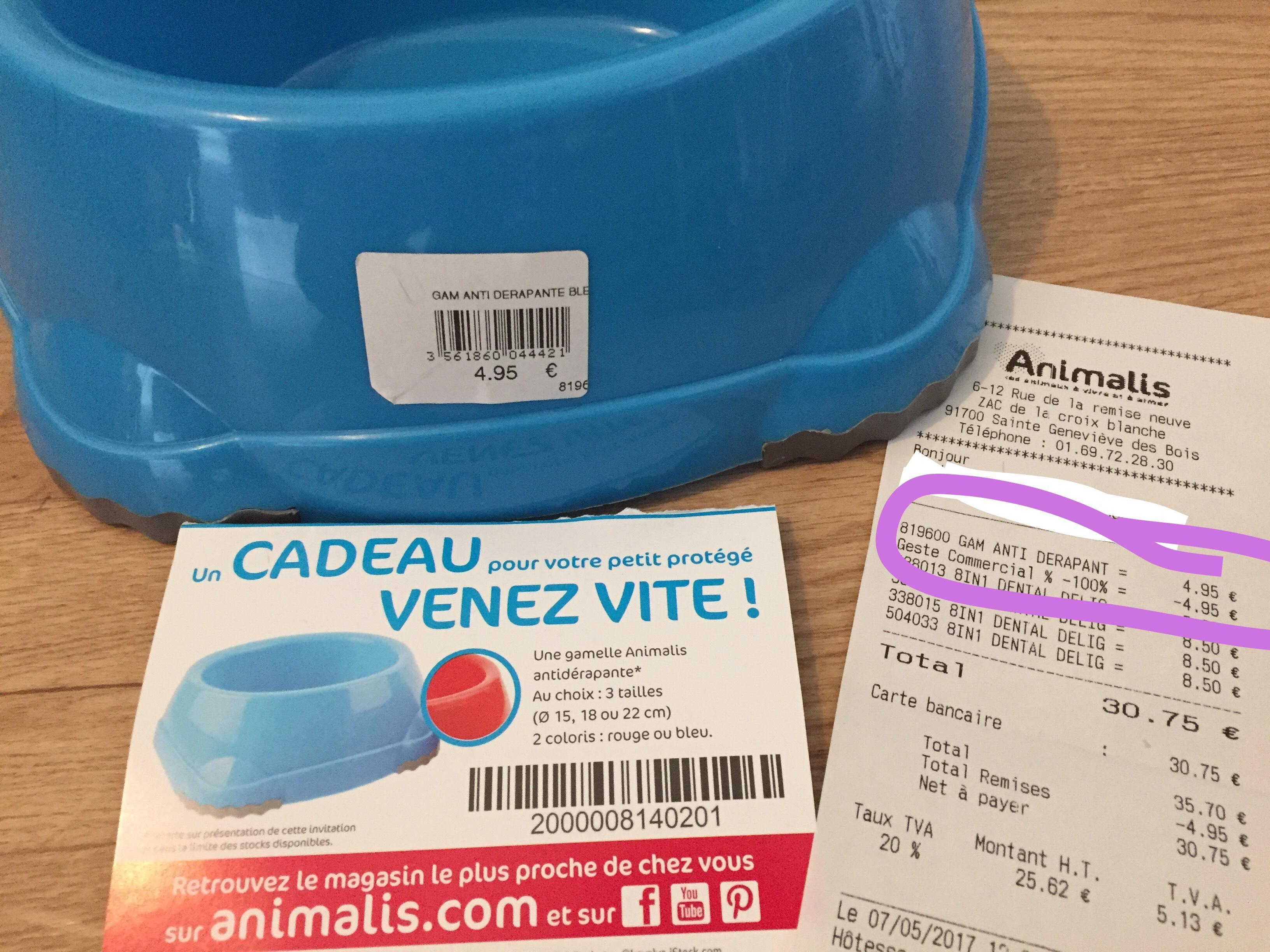 Gamelle anti dérapante bleue ou rouge offerte sans obligation d'achat