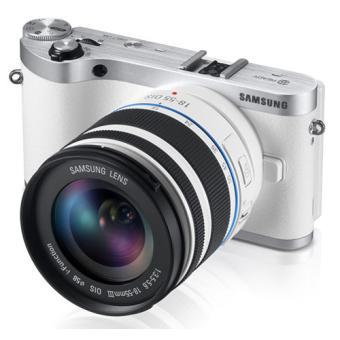 Samsung NX300 Blanc + Obj. Samsung NX 18 - 55 mm f/3.5 - 5.6 OIS + Flash SEF-8A